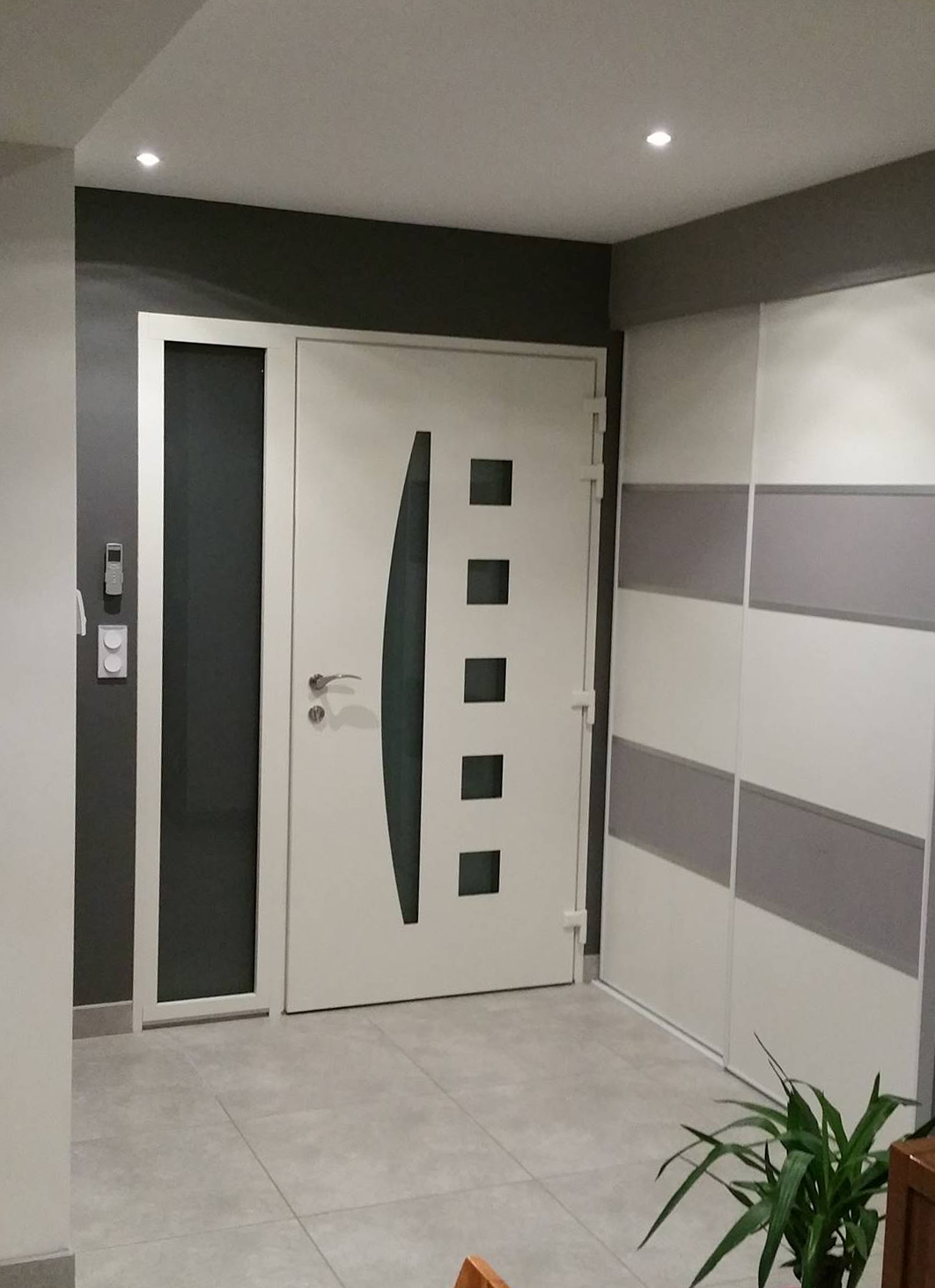 peyon menuiserie porte d 39 entr e. Black Bedroom Furniture Sets. Home Design Ideas