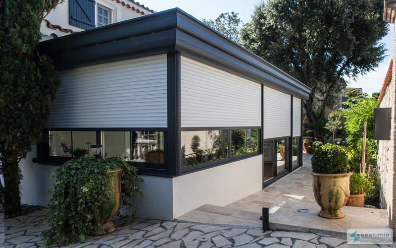 veranda-volet-roulant-ferme